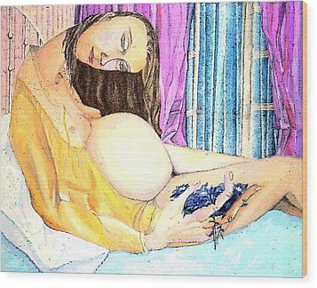 Femme Au Ventre Plein Wood Print