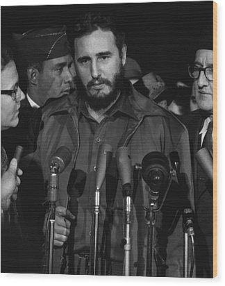 Fidel Castro Arrives Mats Terminal Wood Print by Everett