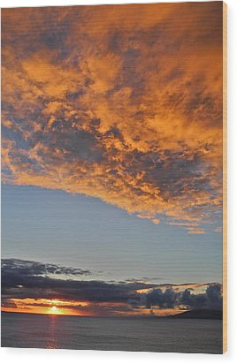 Fiery Sky At Sunset In Maui Wood Print by Kirsten Giving