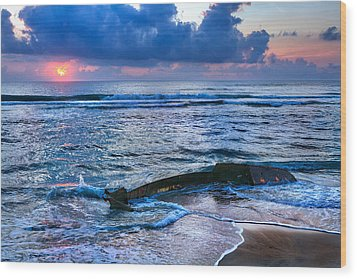 Final Sunrise - Beached Boat On The Outer Banks Wood Print by Dan Carmichael
