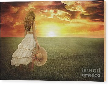 Fire In The Sky Wood Print by Cindy Singleton