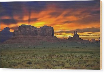 Wood Print featuring the photograph Fire In The Sky Over The Valley by Renee Hardison