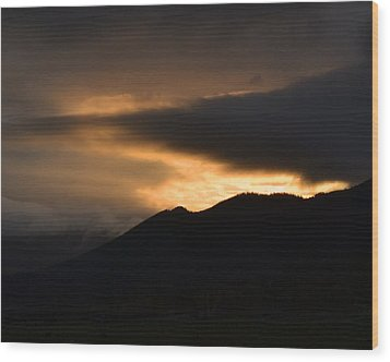 Fire On The Mountain Wood Print by Kevin Bone