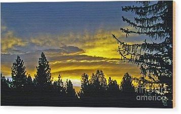 Firey Sunrise Wood Print by Gary Brandes