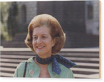 First Lady Betty Ford In Helsinki Wood Print by Everett