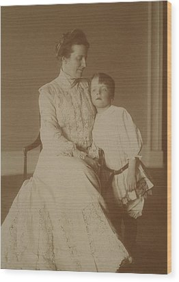 First Lady Edith Roosevelt Wood Print by Everett