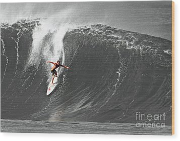 Fisher Heverly Surfing At The Banzai Pipeline Wood Print by Paul Topp