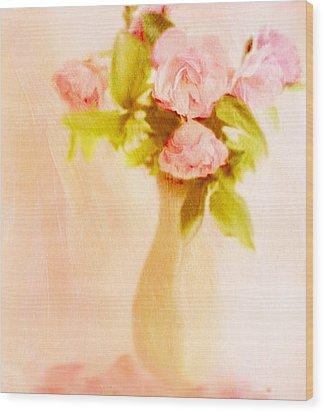 Fleurs Pastel Wood Print by Linde Townsend