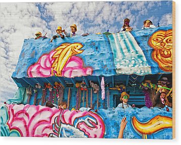 Floating Thru Mardi Gras Wood Print by Steve Harrington