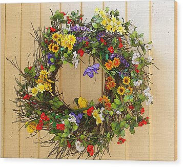 Floral Wreath Wood Print by Cindy Haggerty