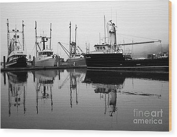 Foggy Reflections Bw Wood Print by Kami McKeon