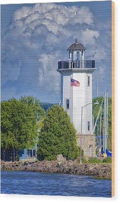 Fond Du Lac Lighthouse Wood Print by Joan Carroll