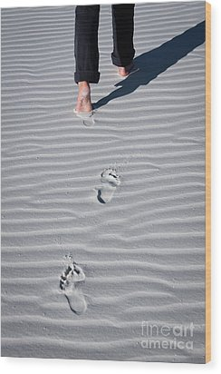 Footprint On White Sand Wood Print