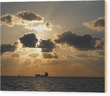 Wood Print featuring the photograph Fort Lauderdale Sunrise by Clara Sue Beym