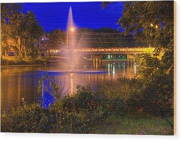 Fountain And Bridge At Night Wood Print