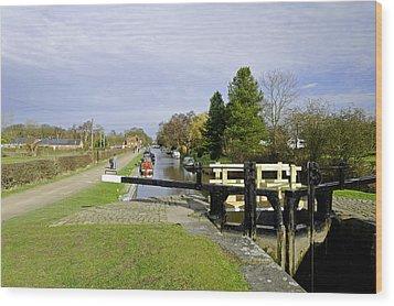 Fradley Middle Lock No. 18 Wood Print by Rod Johnson