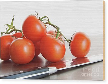 Fresh Ripe Tomatoes On Stainless Steel Counter Wood Print by Sandra Cunningham