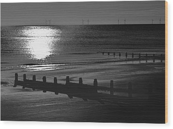 Frinton-on-sea Wood Print by Darren Burroughs