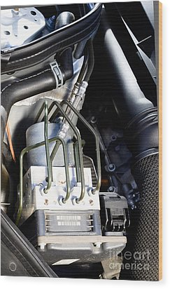 Fuel Injection System Wood Print by Photo Researchers