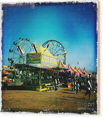 Fun At The Fair Wood Print by Nina Prommer