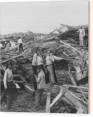 Galveston Disaster - C 1900 Wood Print by International  Images