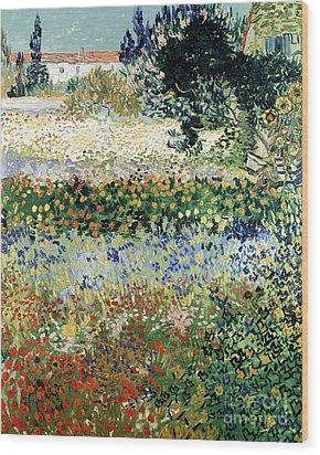 Garden In Bloom Wood Print