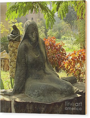 Garden Of Statues Egypt Wood Print by Mary Machare