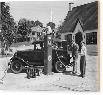 Gas Station Wood Print by Photo Researchers