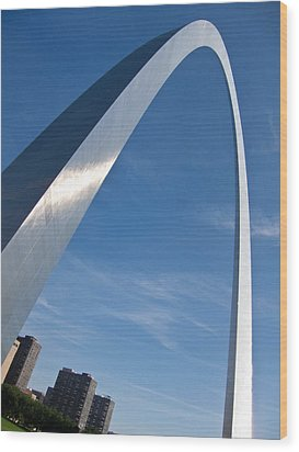 Wood Print featuring the photograph Gateway Arch In St Louis by Nancy De Flon