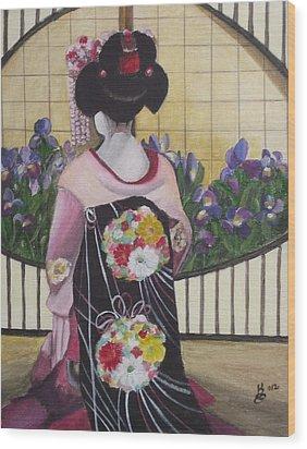 Geisha With Iris Wood Print by Kim Selig