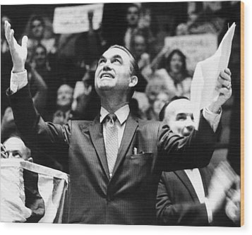 George Wallace Acknowledges The Cheers Wood Print by Everett