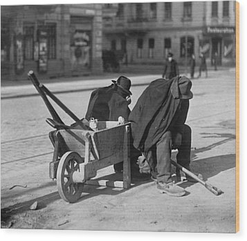 German Street Sweepers Taking Lunchtime Wood Print by Everett