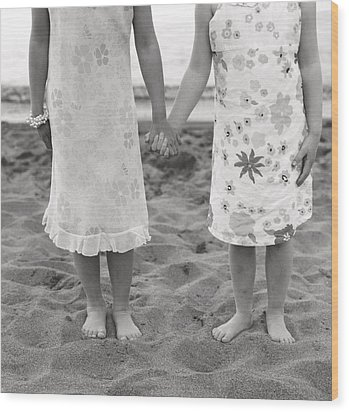 Girls Holding Hand On Beach Wood Print by Michelle Quance