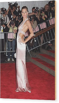 Gisele Bundchen Wearing A Versace Gown Wood Print by Everett