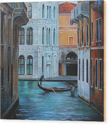 Gondolier In Venice Wood Print