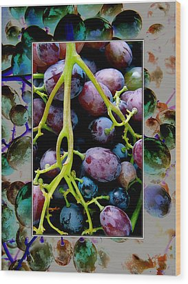 Gorgeous Bunch Of Grapes Wood Print by John Maloof