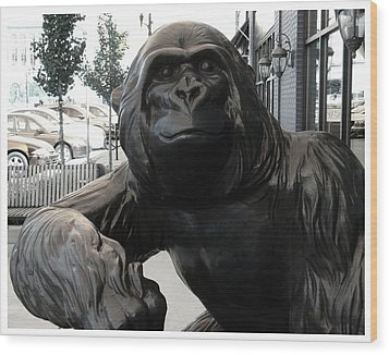 Gorilla On So Bend Street Wood Print
