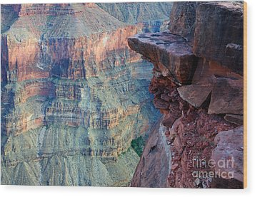 Grand Canyon A Place To Stand Wood Print by Bob Christopher