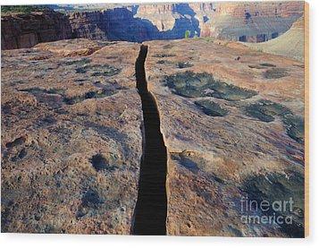 Grand Canyon Dividing Line Wood Print by Bob Christopher
