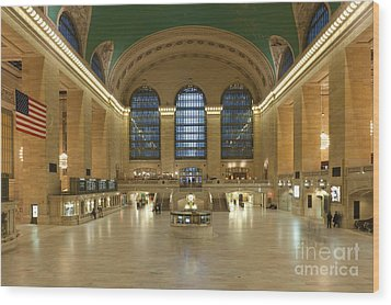 Grand Central Terminal I Wood Print by Clarence Holmes