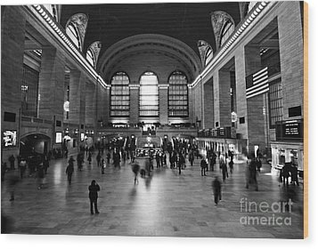 Wood Print featuring the photograph Grand Central Terminal by Michael Dorn
