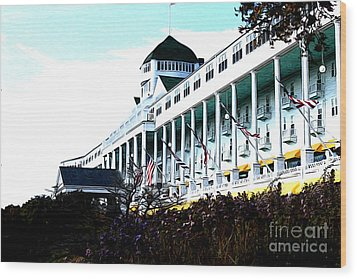Grand Hotel Mackinac Island Wood Print by Anne Raczkowski