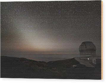 Grantecan Telescope And Zodiacal Light Wood Print by Alex Cherney, Terrastro.com