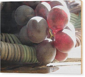 Grape Glow Wood Print by Lainie Wrightson