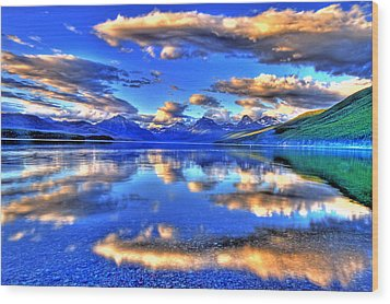 Great Glacier Lake Wood Print by Scott Mahon