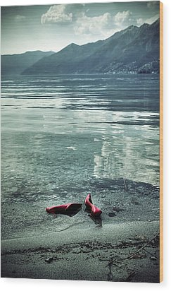 Green And Red Wood Print by Joana Kruse