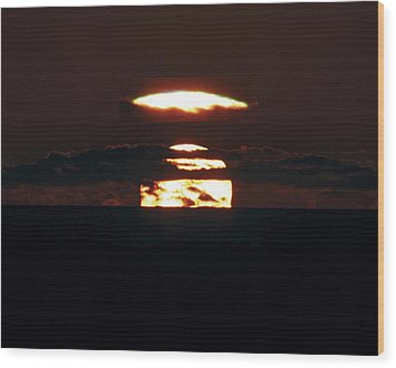 Green Flash At Sunset Wood Print by Laurent Laveder