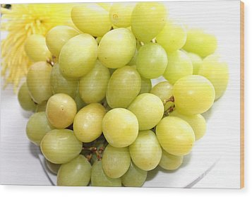 Green Grapes And Mum Wood Print by Barbara Griffin