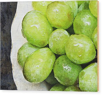 Green Grapes On A Plate Wood Print by Andee Design