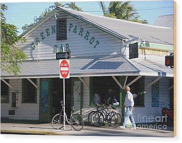 Green Parrot Bar In Key West Wood Print by Susanne Van Hulst